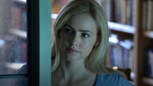 12-monkeys-Amanda-Schull-2